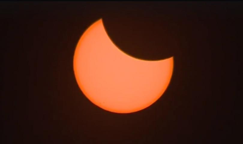 Пълното слънчево затъмнение в Америка (ВИДЕО)