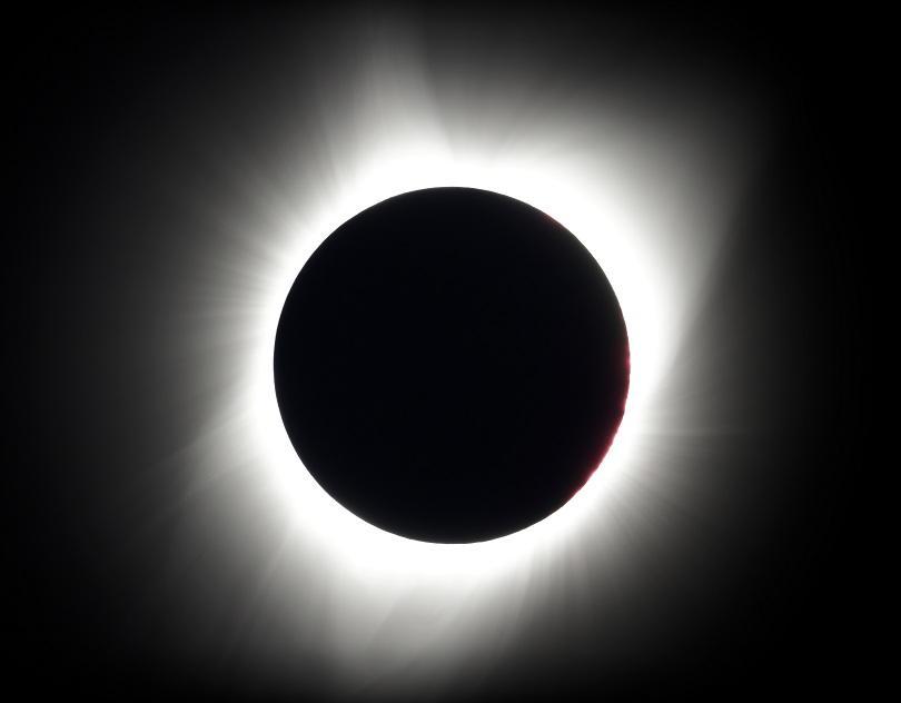 снимка 2 Пълното слънчево затъмнение (СНИМКИ)