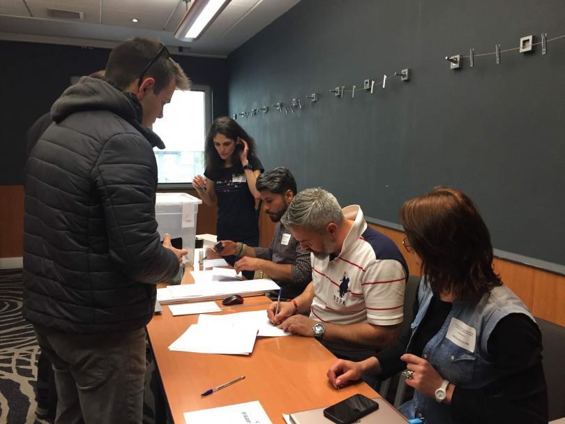 снимка 2 Български студенти гласуваха в Единбург