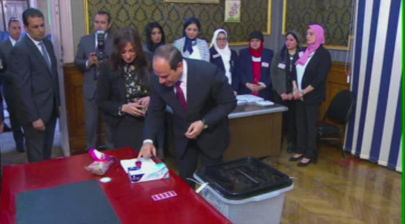 Започна тридневен референдум в Египет за удължаване на мандата на президента