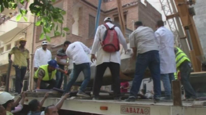 Египетски археолози откриха в Александрия запечатан саркофаг на 2000 години.
