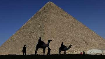 В Древния Египет жените са имали равни права с мъжете