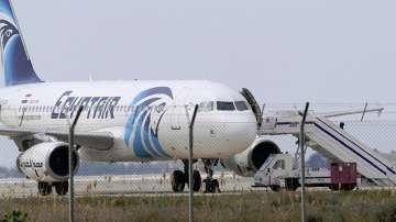 Все още няма следа от изчезналия египетски самолет