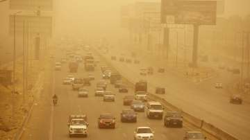 Силна пясъчна буря връхлетя египетски градове и пристанища