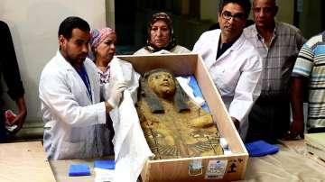 Древни покривала на саркофази бяха върнати на Египет