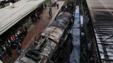 Заради влакова катастрофа в Египет: Транспортният министър подаде оставка