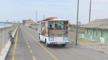 Електробуси превозват туристите по морето до СПА процедури на открито