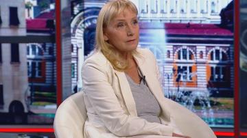 Елена Йончева: Станишев постъпи правилно като се оттегли за председател на ЕП
