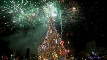 Запалиха светлините на елхата в София