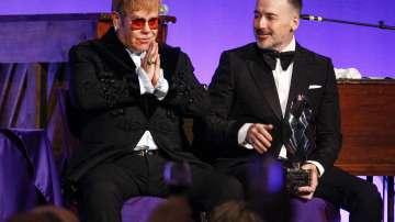 Елтън Джон тръгва на прощално турне във Великобритания през 2020 г.