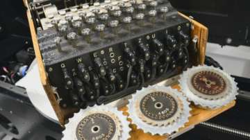 """Учени надникнаха в една от най-сложните шифровъчни машини - """"Енигма"""""""