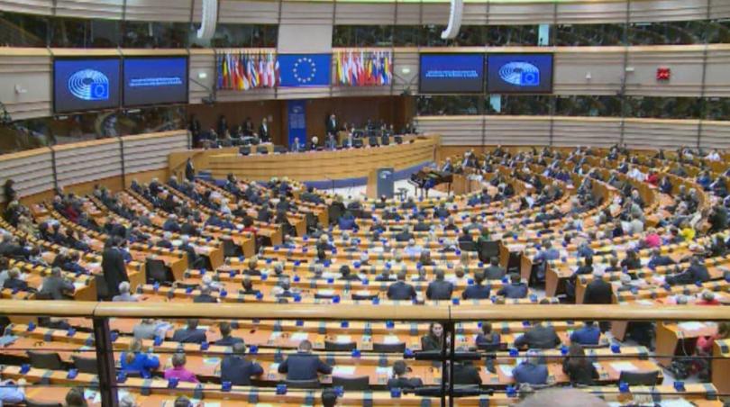 Европейският парламент ще гласува тази вечер окончателно сделката за Брекзит.