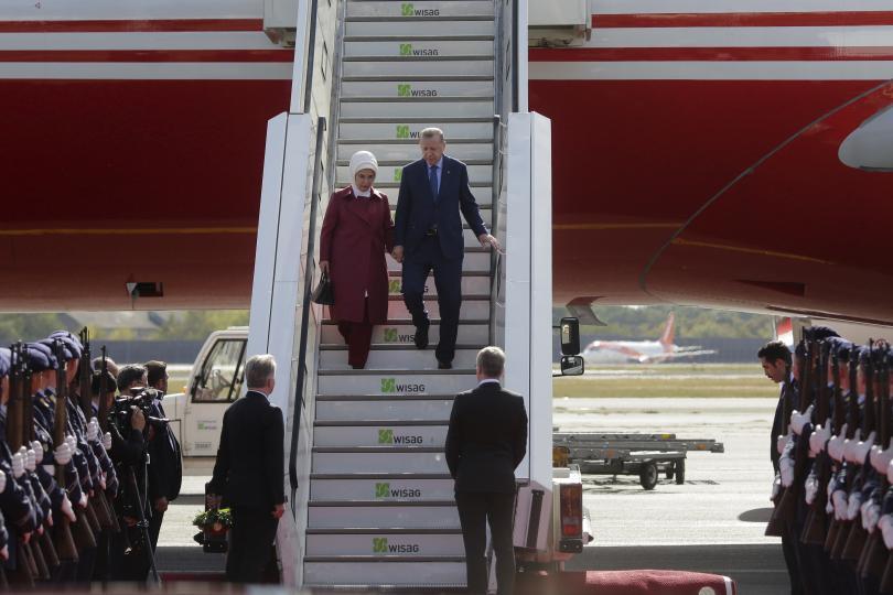 снимка 1 Ердоган пристигна на посещение в Германия