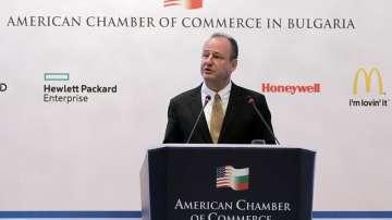 Посланикът на САЩ: Визите за българи няма да отпаднат