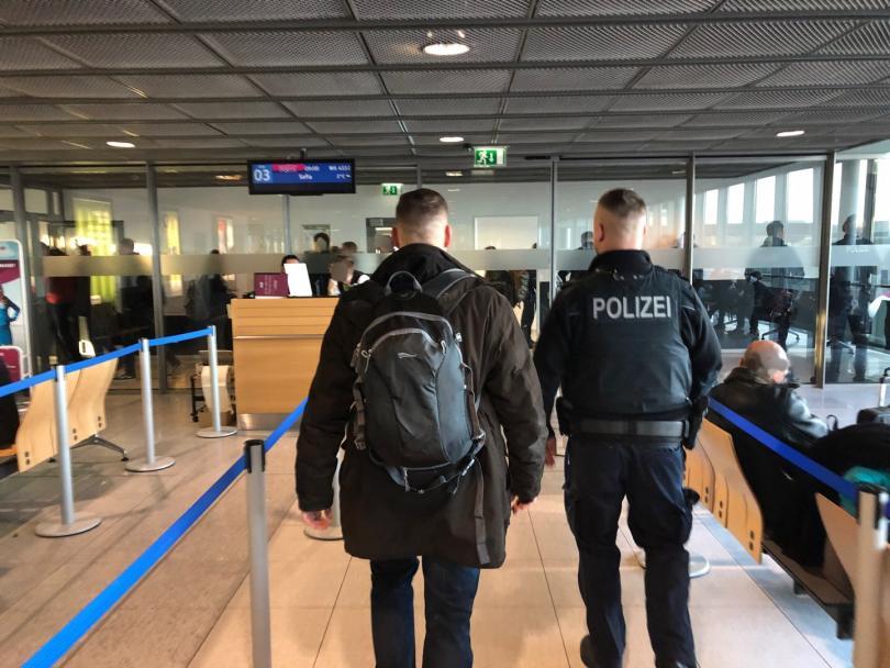 Спряха 9 крайнодесни в Дортмунд, подозират ги, че ще участват в Луковмарш