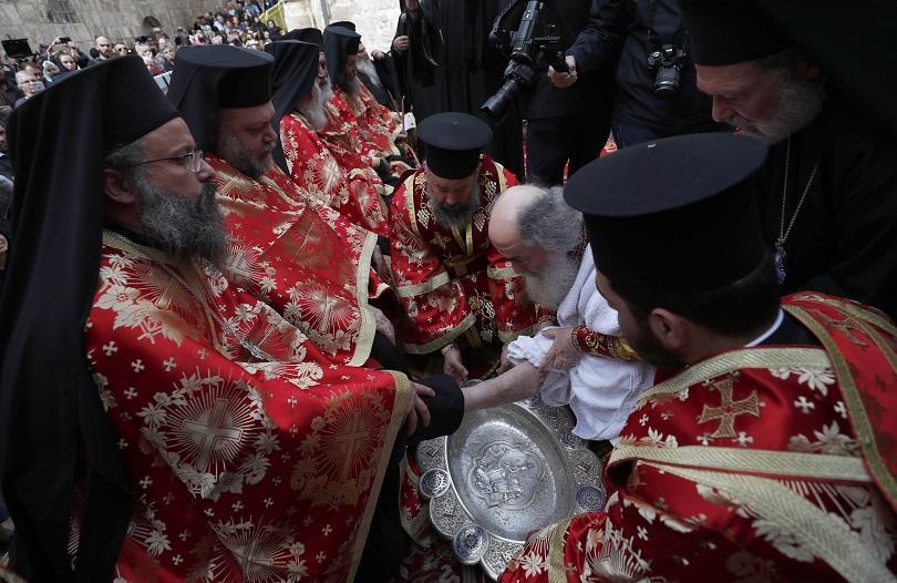 На Велики четвъртък в Ерусалим патриарх Теофил III изми ритуално