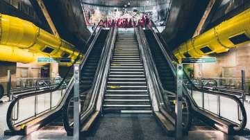 20 души, сред които футболни фенове, бяха ранени при авария в римското метро