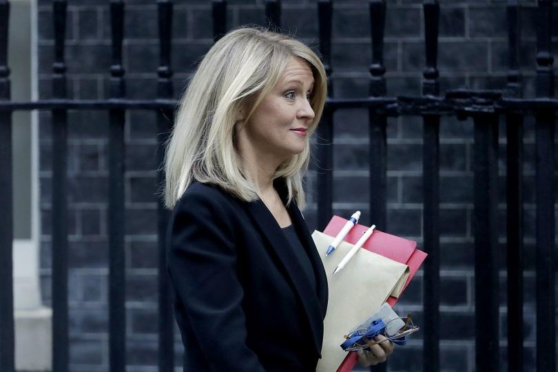 Още две оставки в кабинета на Тереза Мей след сделката за Брекзит