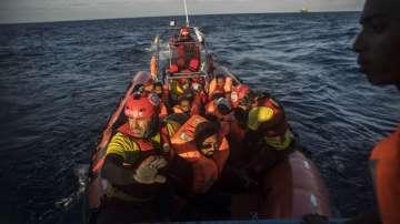35 мигранти се удавиха край бреговете на Тунис