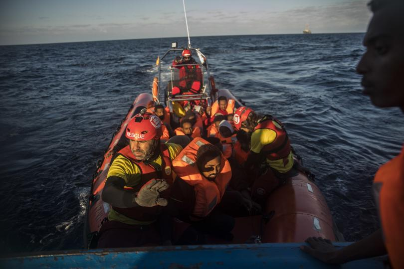 снимка 1 Най-малко 15 мигранти са загинали при преобръщане на лодка край Алжир