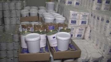 Скандали при раздаването на първите за тази година пакети с хранителни помощи