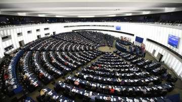 Юнкер и Туск ще направят изказвания пред новия Европарламент