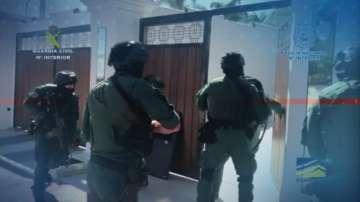 Десетки задържани при мащабна операция на няколко полицейски служби в Европа