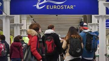Хаос в разписанието на Евростар заради демонстрант на релсите