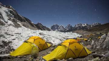 Еверест очаква най-натоварената година