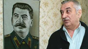 Почина внукът на Сталин