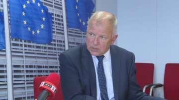 Еврокомисар Андрюкайтис: Проблемът с епидемията по свинете става регионален