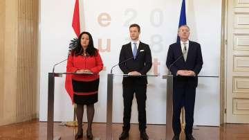 """Заключителна среща на министрите по Европредседателствата на """"тройката"""""""