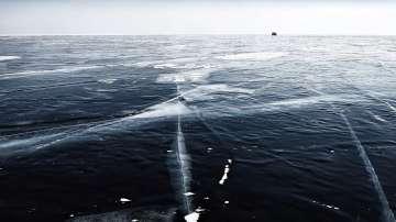 Езерото Байкал замръзна