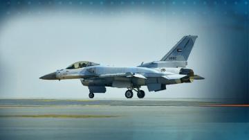Каракачанов очаква по-ниска от предварително уговорената цена за F-16