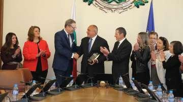 Борисов стана първият чуждестранен лидер, отличен с Факла на свободата