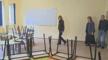 Фандъкова инспектира разширението на 64-о училище в София