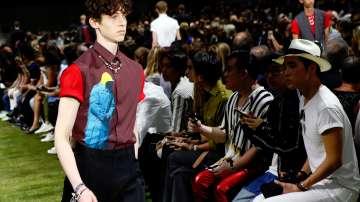 Диор представи колекцията си мъжко облекло в Париж