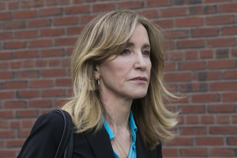 актрисата фелисити хъфман признае виновна измама