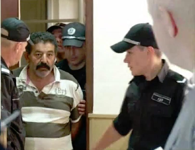 фермерът прегазил крадец излезе ареста 000 гаранция