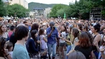 Почитателите на френската музика танцуваха на Франкофоли