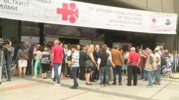 Във Варна започна фестивал на червенокръстките филми