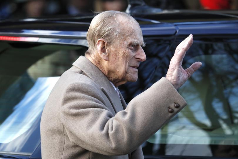 Снимка: 97-годишният принц Филип катастрофира с управляван от него автомобил