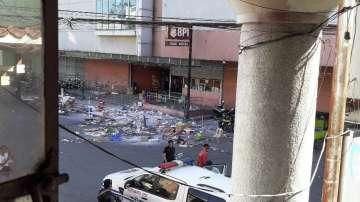 11 души бяха ранени при взрив на бомба в близост до мол в Южните Филипини