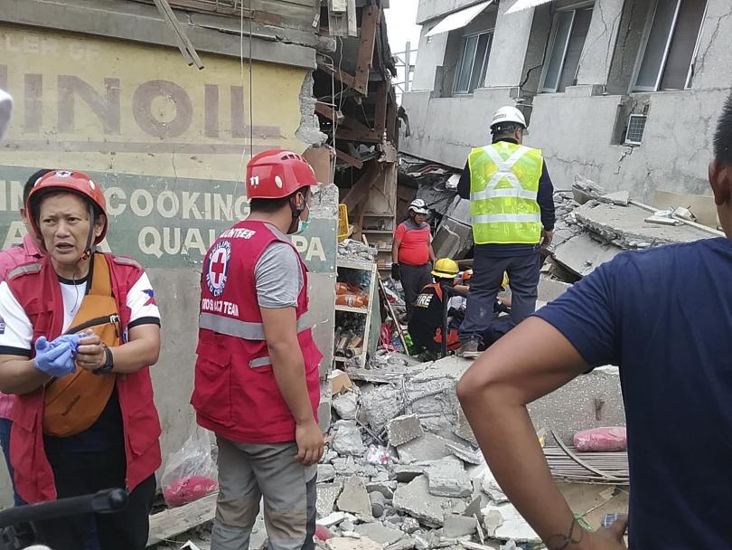 Четирима души са загинали при силното земетресение във Филипините, като