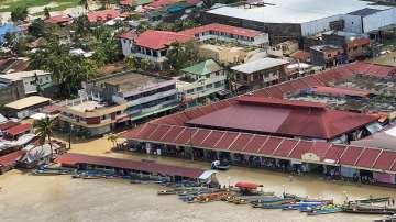 16 са жертвите на тайфун във Филипините