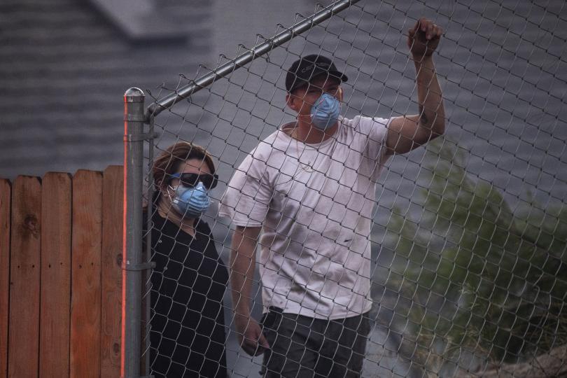 Евакуират близо 50 000 души заради пожарите в Калифорния