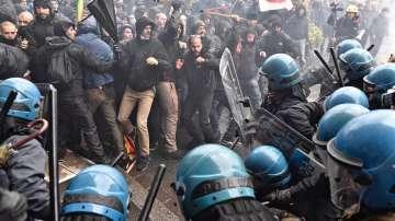 Сблъсъци във Флоренция на протеста срещу референдума на 4 декември