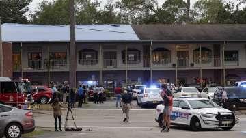 Мъж уби двама души при стрелба в студио за йога във Флорида