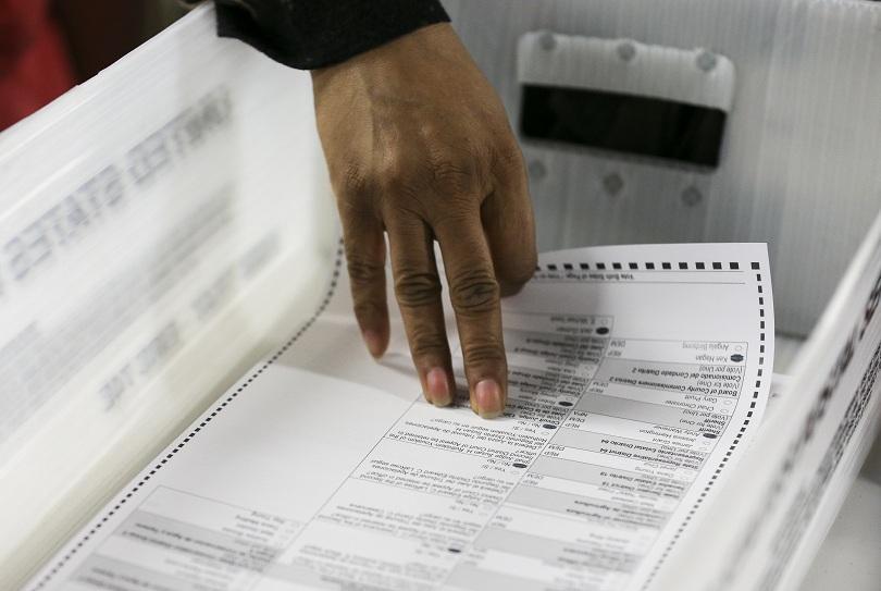 В американския щат Флорида започна ръчно повторно преброяване на гласовете,