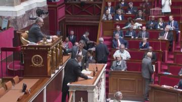 Френският парламент обсъжда пенсионната реформа на фона на скандал